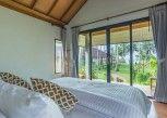 Pesan Kamar Beachfront Cottage di Medee Resort