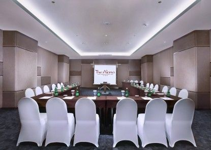 The Alana Hotel & Convention Center - Solo Ruangan Meeting