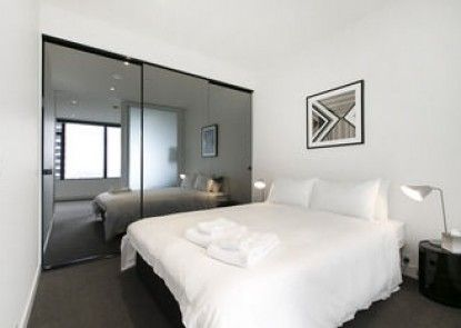 Melbourne Fully Self Contained 1 Bed Apartment 4007 Bek