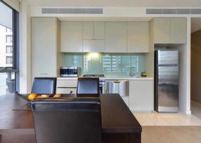 Melbourne Fully Self Contained 1 Bed Apartment 607 Qun