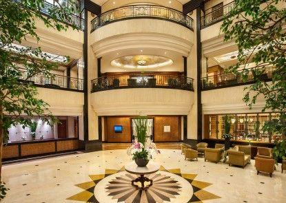 Menara Peninsula Hotel Lobby