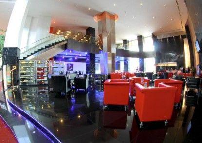 Merlynn Park Hotel Lounge