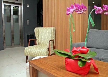 M Hotel Jakarta Penerima Tamu