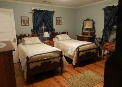 MiddleRidge Bed and Breakfast