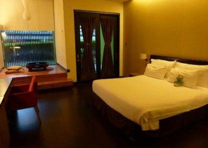 Mikie Holiday Resort Kamar Tamu