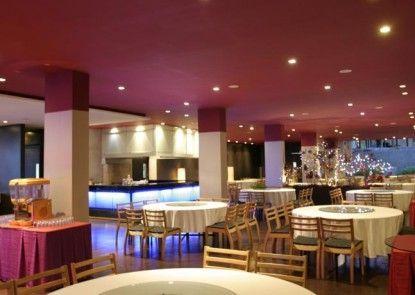 Mikie Holiday Resort Rumah Makan