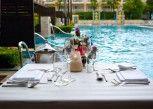 Pesan Kamar Cabana Room Pool Access di Millennium Resort Patong Phuket