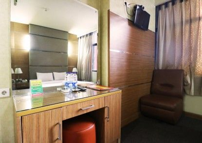 Mirah Hotel Teras