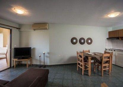 Mirtilos Studios & Apartments