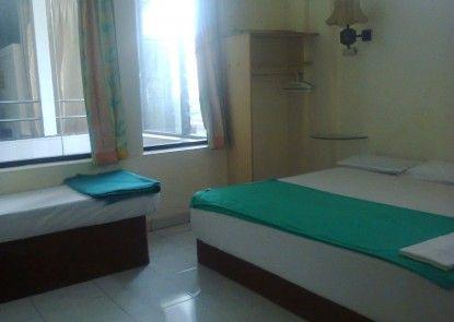Mitra Hotel Yogyakarta Kamar Tamu