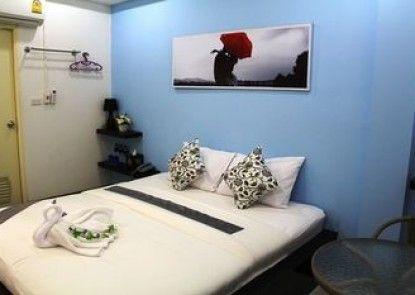 Modern Inn by Saifon