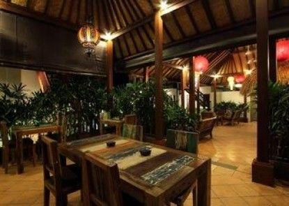 Mojo Resort Teras