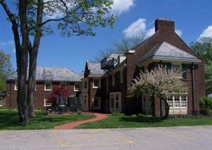 Montague Inn Teras