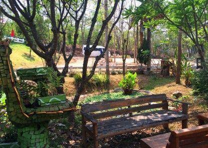 Montri Garden House