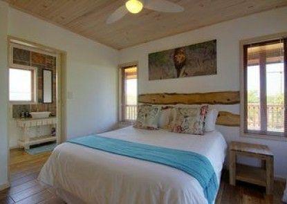 Monzi Safari Lodge