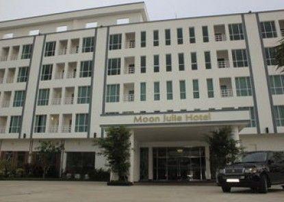 Moon Julie Hotel