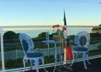 Moonlight Bay Guest House