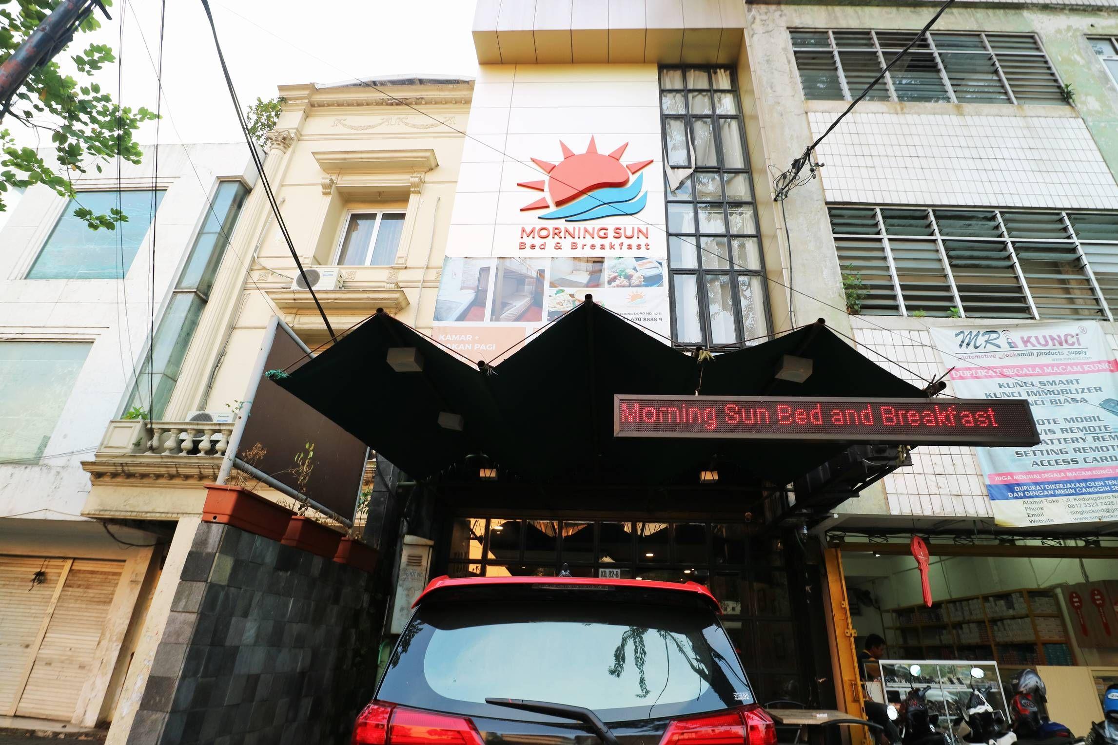Morning Sun, Surabaya