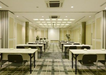 Morrissey Hotel Residences Jakarta Ruangan Meeting