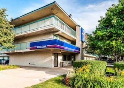 Motel 6 Chicago NW - Rolling Meadows Teras