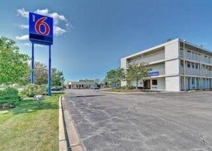 Motel 6 Chicago Southwest - Aurora Teras