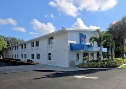 Motel 6 Ft Lauderdale Teras