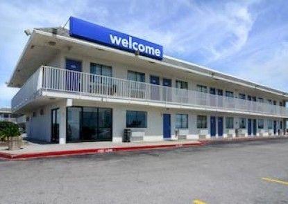Motel 6 Galveston Teras