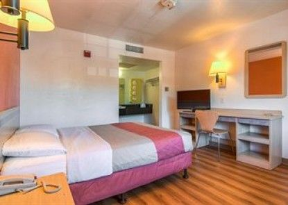 Motel 6 Los Angeles - Pomona Teras