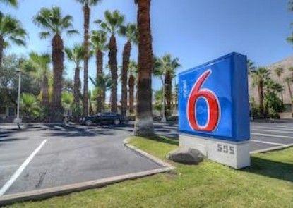 Motel 6 Palm Springs East-E Palm Canyon Teras