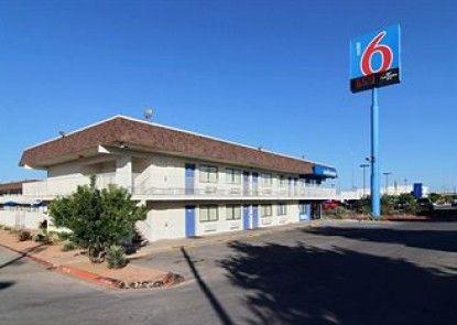 Motel 6 San Angelo Teras