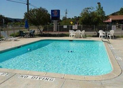 Motel 6 San Luis Obispo North Teras