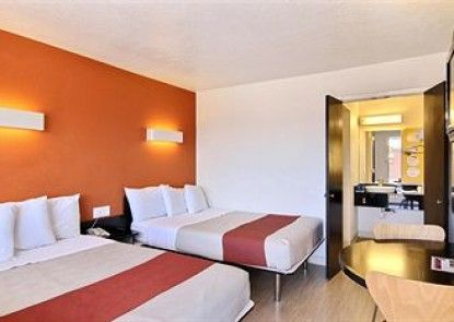 Motel 6 Santa Barbara - Goleta Teras