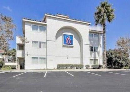 Motel 6 Ventura South Teras