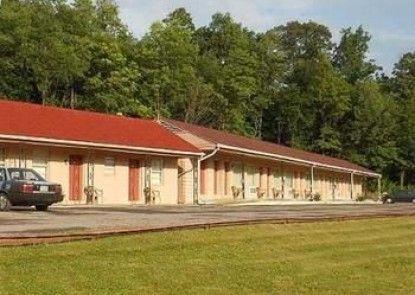 Motel 22 Mapleton Depot