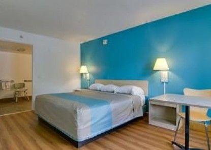 Motel 6 Atlanta GA