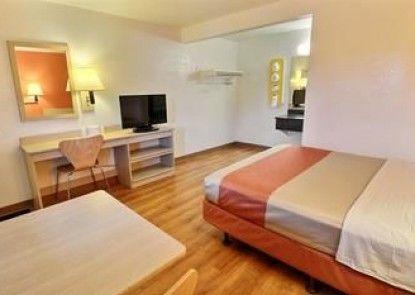 Motel 6 Brattleboro