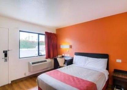 Motel 6 Camarillo
