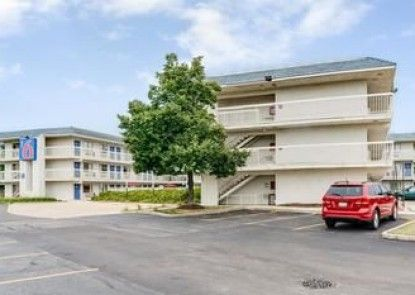 Motel 6 Chicago NW - Rolling Meadows