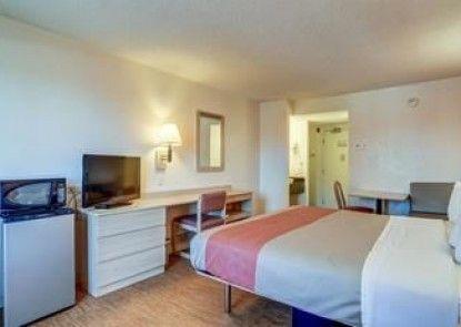 Motel 6 Denver South - South Tech Center