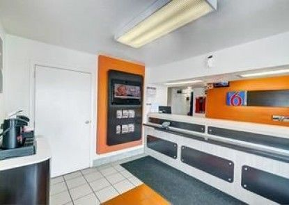 Motel 6 Denver - Thornton