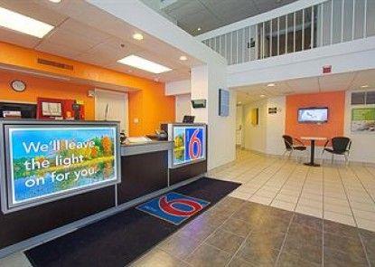 Motel 6 East Brunswick