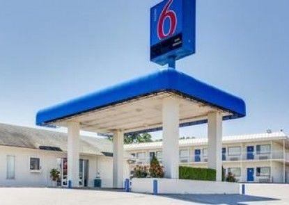 Motel 6 Fayetteville Ar