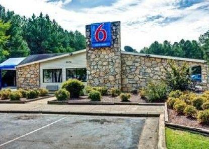Motel 6 Fayetteville NC