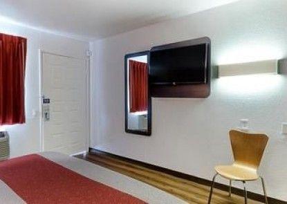 Motel 6 Fresno, CA