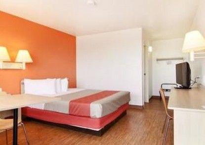 Motel 6 Ft Stockton