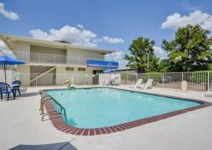 Motel 6 Hattiesburg-Univ of Southern MS