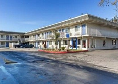 Motel 6 Hayward