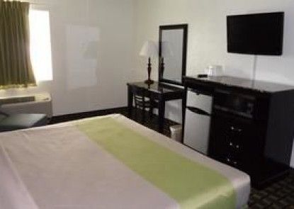 Motel 6 Lafayette - Univ Ave