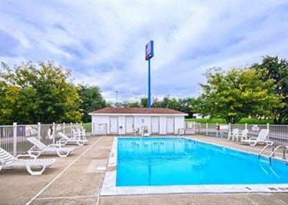 Motel 6 Lexington East