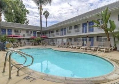 Motel 6 Los Angeles - Baldwin Park